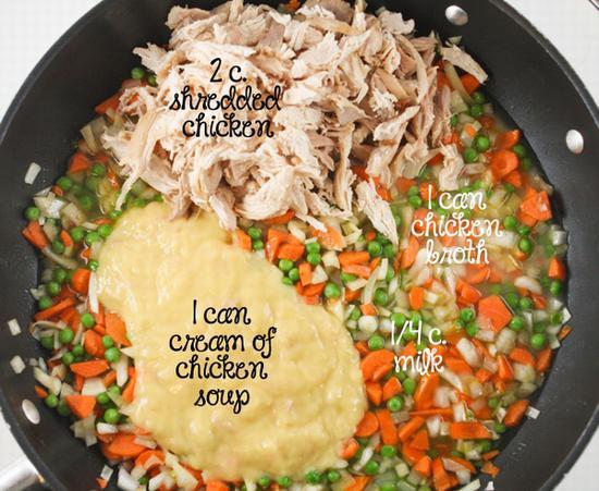 鸡肉烙饼派砂锅 图片源自www.pipandebby.com