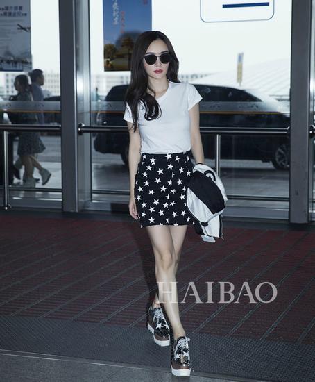 李小璐机场街拍穿厚底鞋-冰冰们是有多爱厚底鞋 是丑Cry还是时髦看不
