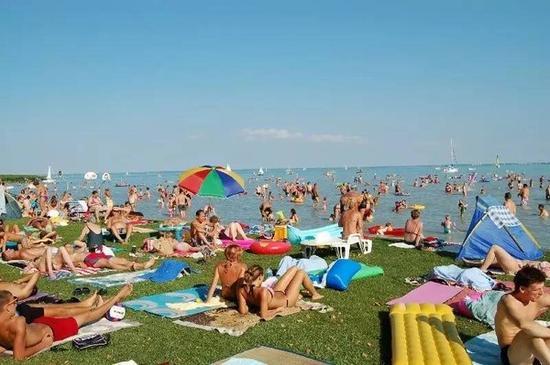 不装空调的欧洲人是怎么过夏天的
