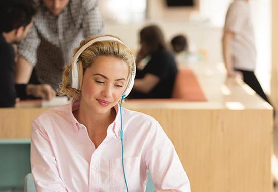 精神兴奋剂 运动员为什么都喜欢戴耳机