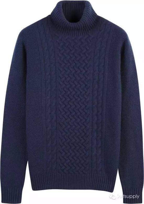 粗棒毛衣有很强的保暖性,因为很容易显肿,所以通常情况下不会在外面加外套,单穿的时候比较多,是瘦子们的时尚利器。