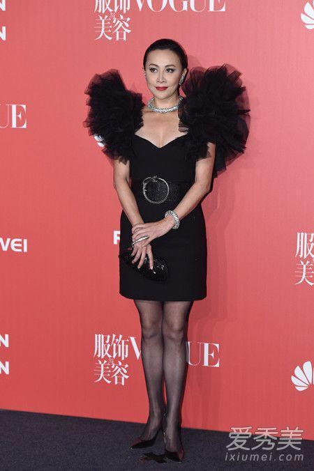 Vogue十一周年众星云集 范爷戴雷锋帽李宇春穿裙 明星红毯盛装
