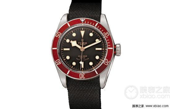 帝舵HERITAGE BLACK BAY系列79220R 织纹表带腕表