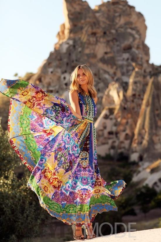26岁时尚博主的旅行 诠释了女孩所有美好想象