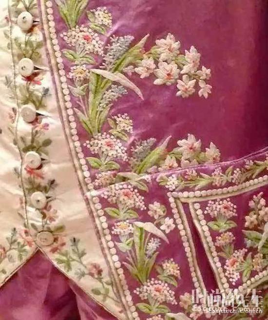 1770-1780 法国粉色丝绸套装