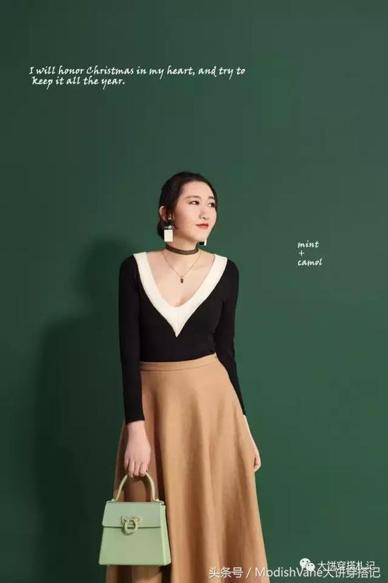 上衣:淘宝SYM | 半裙:Max Mara Studio | choker:Zara