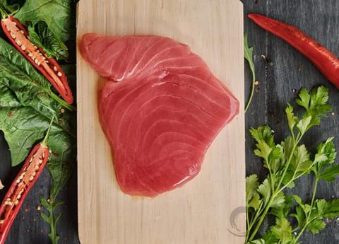4. 在锅热之前放鱼