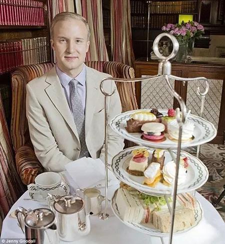 英国下午茶礼仪专家 威廉姆森