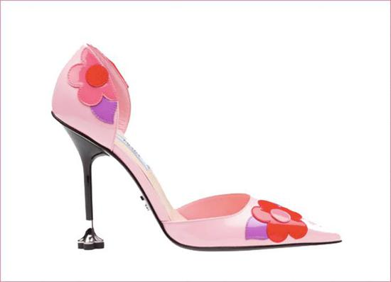 Prada 花朵装饰高跟鞋8200 元