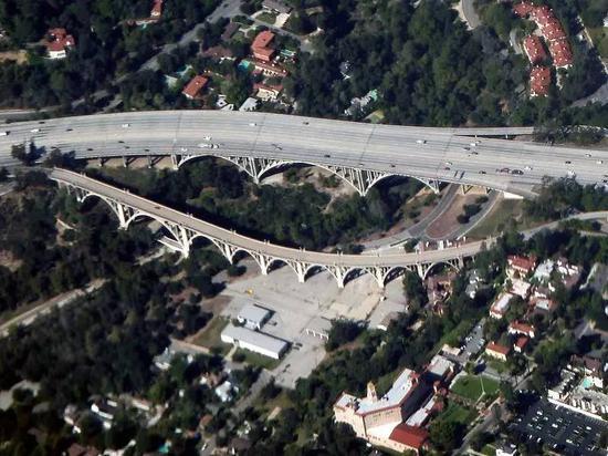 科罗拉多街大桥