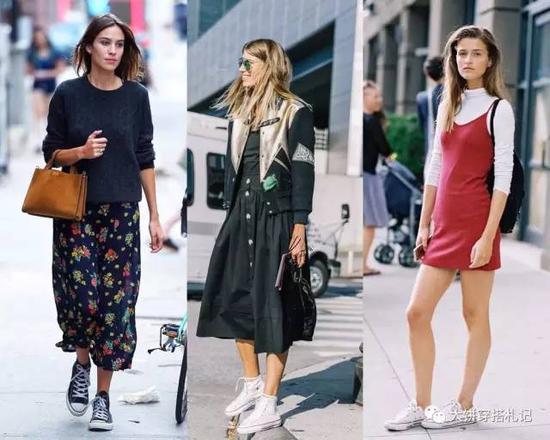 好啦~总的说来,不同的裙装需要用不同的鞋履来驾驭,同一条裙装也可以用不同的鞋履搭配打造出不同的风格既视感。