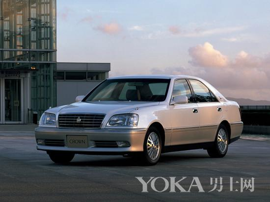 第11代皇冠(1999年-2003年)-听说经典车型要论资排辈 这些车默默高清图片