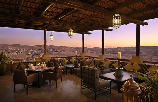 苏海勒餐厅采用全开放式空间,让你时刻沉浸在阿拉伯沙漠的海洋 图片来源:shutterstock