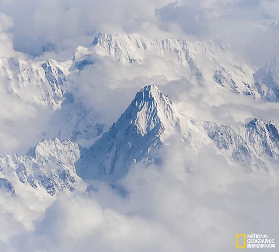 云南香格里拉的山峰