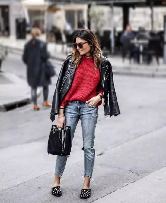 裤型当然也可以自己选,要是你的腿又细又长,你就来选紧身的铅笔裤类型,搭配一双恨天高,就可以性感到不行。