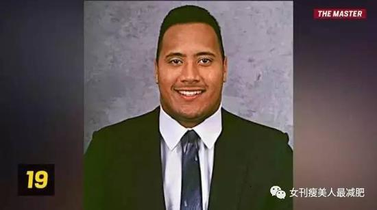 20岁加入了迈阿密大学的美式橄榄球队▼