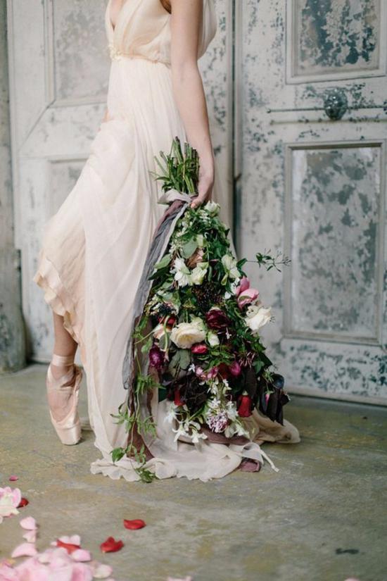 裸色的芭蕾舞裙式婚纱