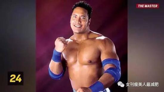 26岁加入世界职业摔角联盟,