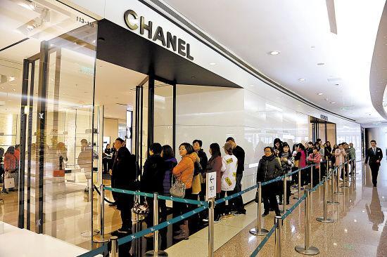 中国降价海外涨奢侈品套路深