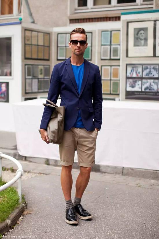 身材不一定能让你性感但短裤可能