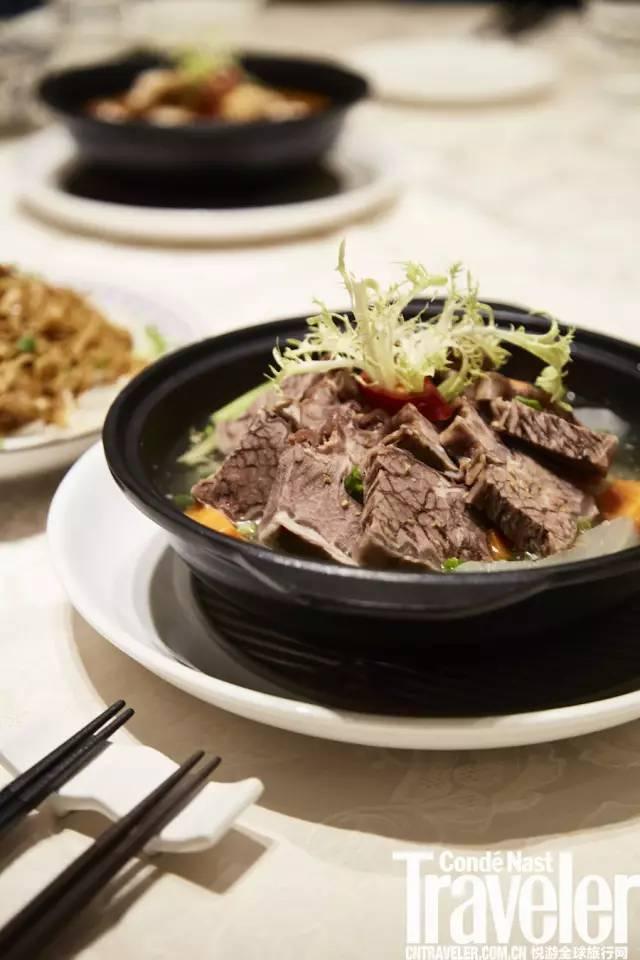 香港人的生活不能没有清汤腩。