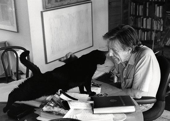 (John Cage,1919-1992,美国作曲家)