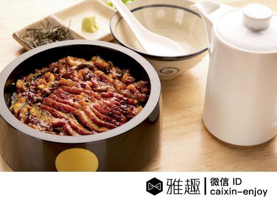 """北京居酒屋""""慢走""""的震店之菜——ひつまぶし,原来是来自名古屋的一道名菜。在日本的居酒屋非常少见。"""