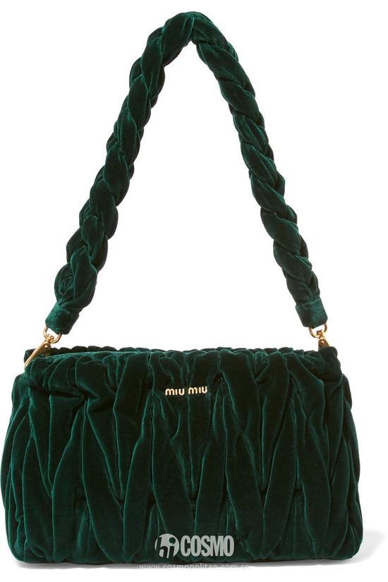 包袋来自MIU MIU