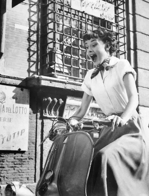 梦想是要有的,万一实现了呢。就像你从来没想过自己有一天会变成120斤的女纸在风中摇曳。人生就是处处有惊喜!