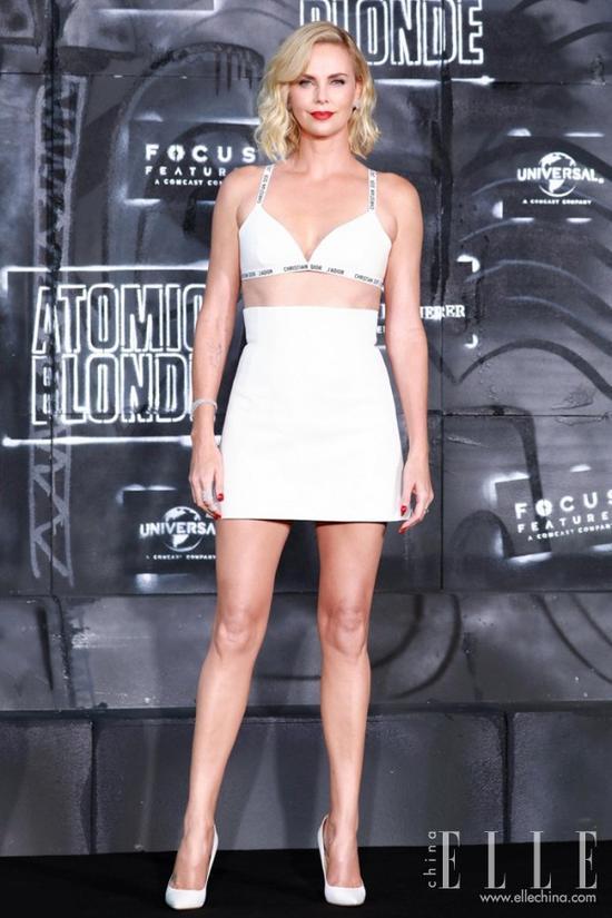 短裙越短才越好看?你好像有点误解