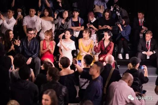 秀场是设计师最重要的舞台,看秀不仅能够最快看到各大品牌的新品。