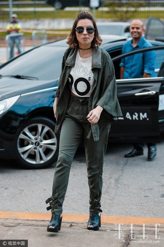 总觉得王菲宋佳刘雯很酷 原因是这条中性的裤子