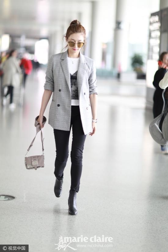 时髦西装还得灰色格纹款 杨幂都上身还在等什么