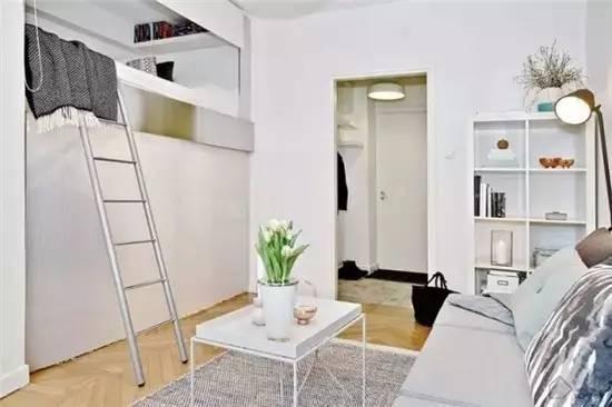 发现没有,第二个阶梯还有个小小的猫窝,家里养小型宠物的朋友可以参考这样巧妙的设计~