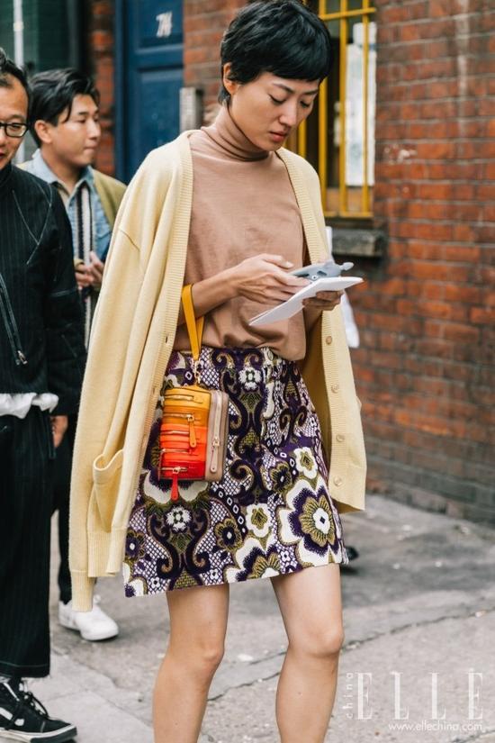 今秋买毛衣当然是最温柔百搭的驼色毛衣