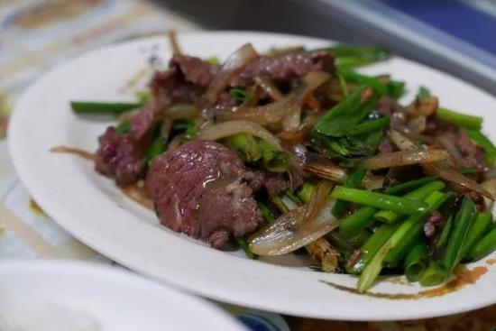 Ps:店里的快炒也不错,但是如果你想要在台南多吃几家,最好还是不要太贪心哦~