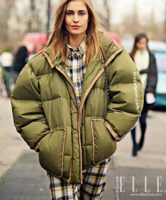据说这件外套今冬最时髦但会让你胖两圈
