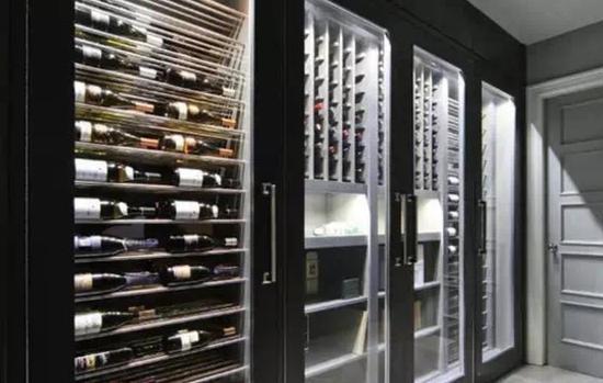 Q:如何储存开瓶后的葡萄酒?