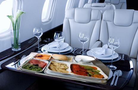 炒饭的话,Gross说,加热很容易,因此尽管是在飞机上也能保持一贯的品质和味道。