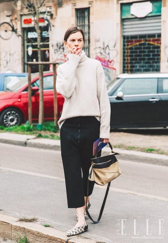 不配这样的阔腿裤,毛衣真的穿不美