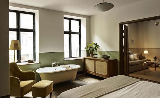 酒店拥有54间客房充满着艺术气质