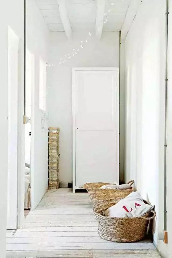 降低家具的存在感:选购简单、低矮的家具