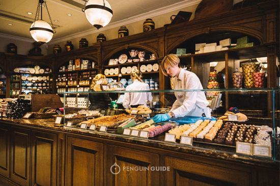 贝蒂楼下甜品屋,也是一派甜蜜温暖的模样