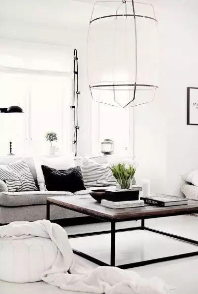 若实在喜欢木地板,请选择浅色、亮面的地板。