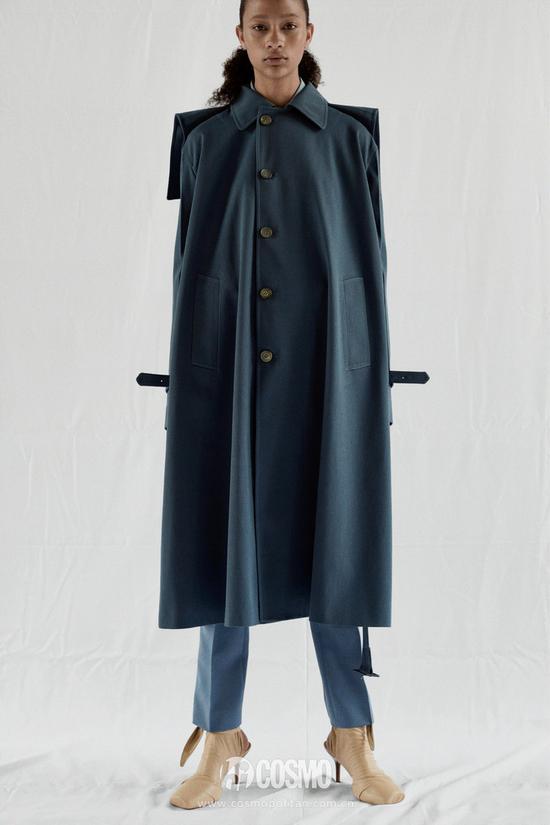 别傻了,看来看去还是落肩外套最显瘦啊!