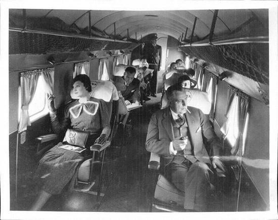 1930年代的机舱内部
