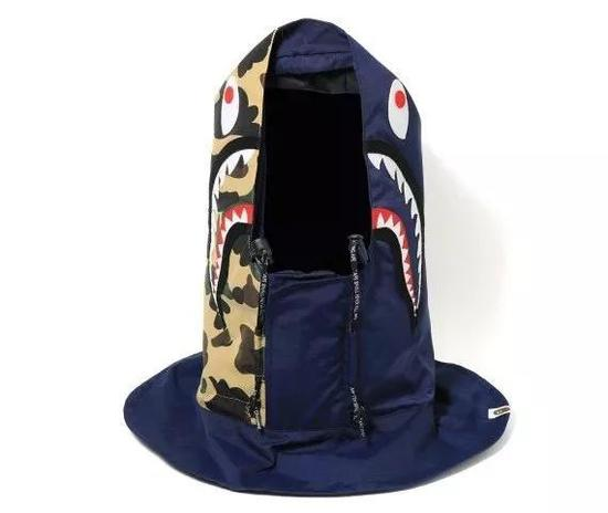 A BATHING APE?Shark 缝饰连帽口罩