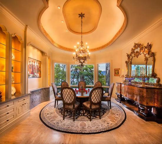 22年前造的超复古豪宅现在还能卖5亿