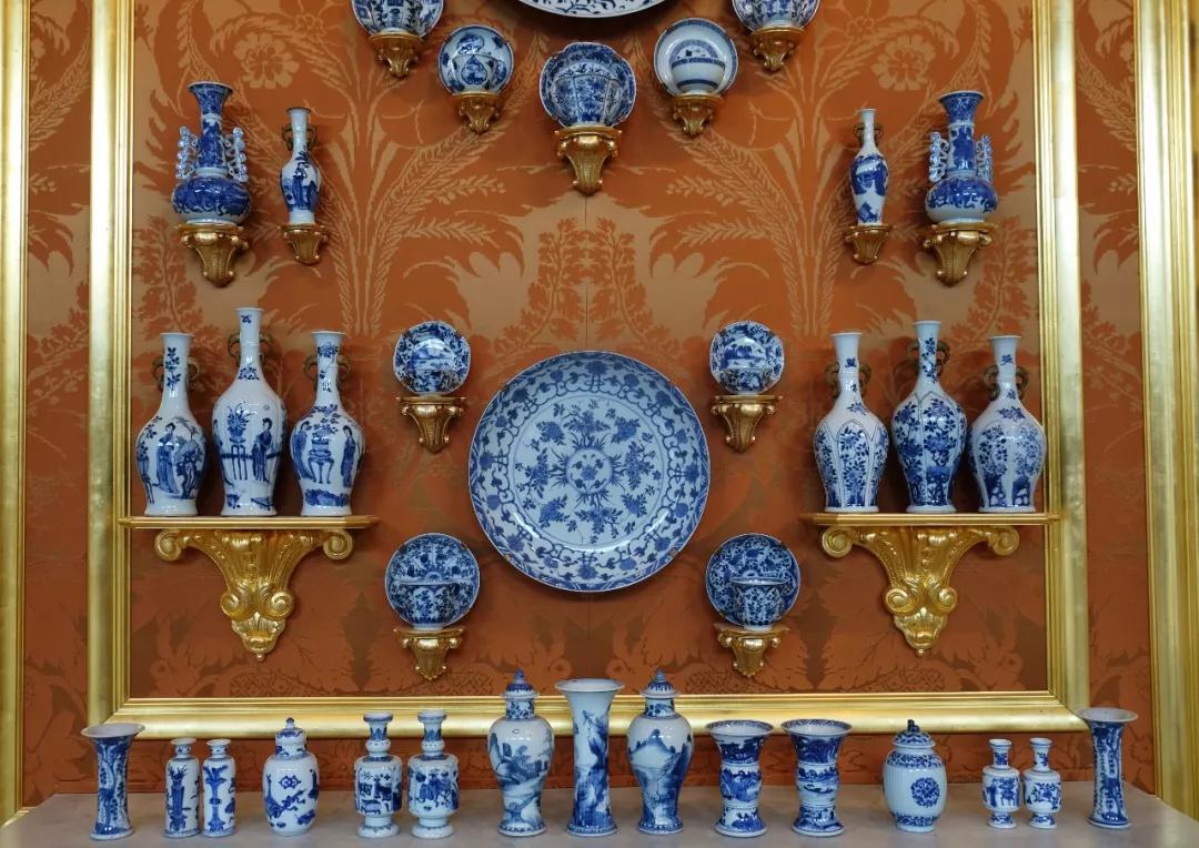茨温格宫巴洛克式的瓷器陈设
