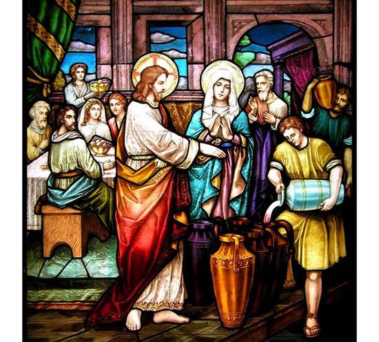 耶稣在宴席上将水变成了葡萄酒